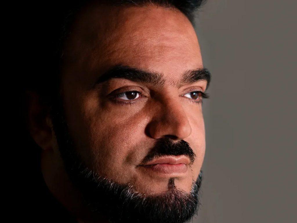 Победитель «Битвы Экстрасенсов» Мехди Эбрагими Вафа поздравляет с 1 сентября